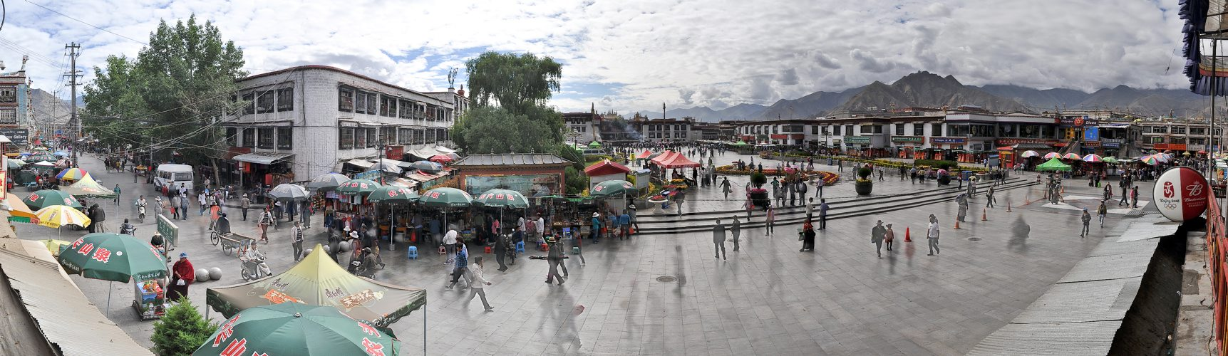 China, Tibet, Lhasa, 3650m, Bharkor Square